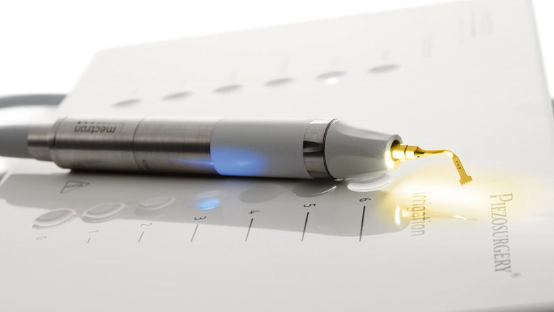 manipolo opzionale LED PIEZOSURGERY® white